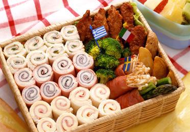 運動会 ピクニック お弁当 サンドイッチ ロールサンド